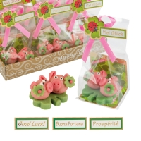 24 pcs Lucky marzipan pig couple on clover leaf, small