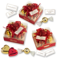 9 pcs Small heart candles red & gold on box with pralines