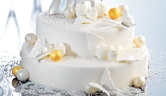 Fine decorations for the weddingcake