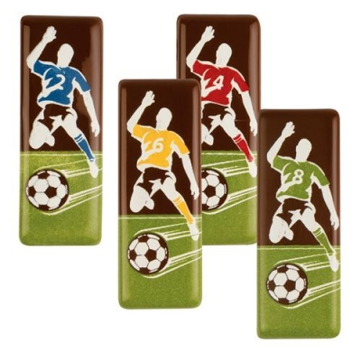 96 pcs Soccer-plaques, dark chocolate, assorted